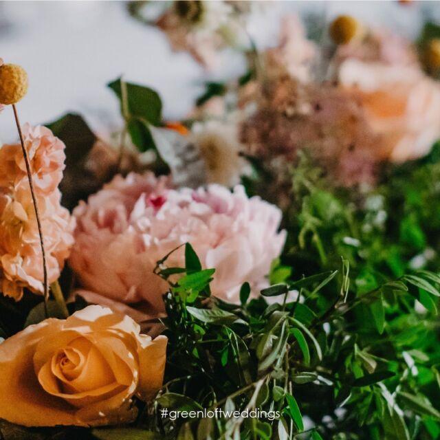 Uz zelenilo naše dvorane, trebati će vam vrlo malo cvjetne dekoracije!  #details  #greenloftweddings  #vjencanjahrvatska